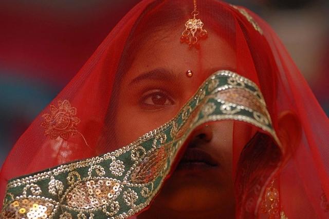 Fast die Hälfte der Kinderbräute lebt laut Unicef in Südasien: Ein indisches Mädchen.