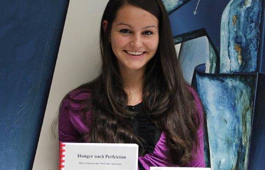 Riccarda Hartleb erhielt für ihre Fachbereichs- arbeit den Junior-Academic Preis an der Universität Graz