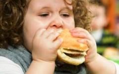 Obesit infantile: cosa fare? Ne parliamo con lo psicanalista