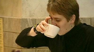 很多人都認為喝咖啡可以提神,但卑詩大學學者的研究結果卻得出不同的結論。(CTV)