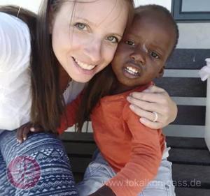 """Carina Neumann aus Letmathe engagiert sich zurzeit in in einem südafrikanischen Township in einem """"Kindergarten""""."""